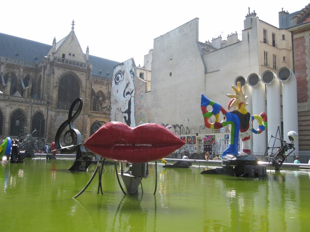 Stravinsky Fountain outside of the Pompidou
